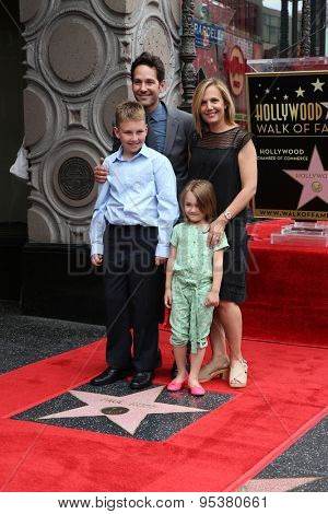 LOS ANGELES - JUL 1:  Paul Rudd, Family at the Paul Rudd Hollywood Walk of Fame Star Ceremony at the El Capitan Theater Sidewalk on July 1, 2015 in Los Angeles, CA