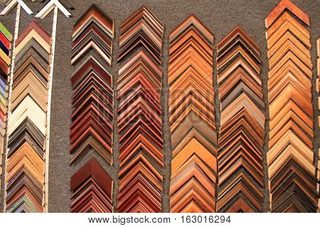 Background wall of wood frame corners for customers to choose from