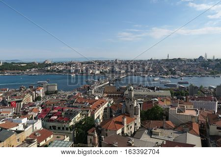 The Golden Horn in the Bosporus. You can also see: Galata Bridge, Hagia Sophia, Blue Mosque, Sultanahmet, Galata and Beyoglu