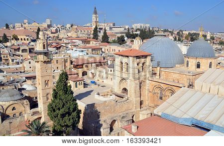 JERUSALEM 28 10 16: Church of the Holy Sepulchre, Church of the Resurrection or Church of the Anastasis by Orthodox Christians in the Christian Quarter is a church of the Old City of Jerusalem