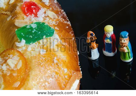 Kings Cake And Three Wise Men Figurines