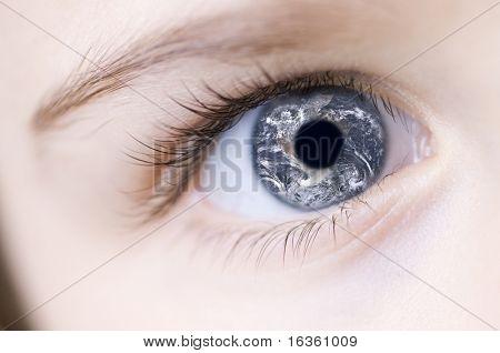 Der ganzen Welt in Kind-Auge