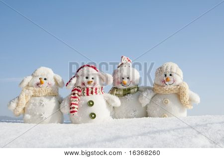 Amigos de Happy winter (copy space)