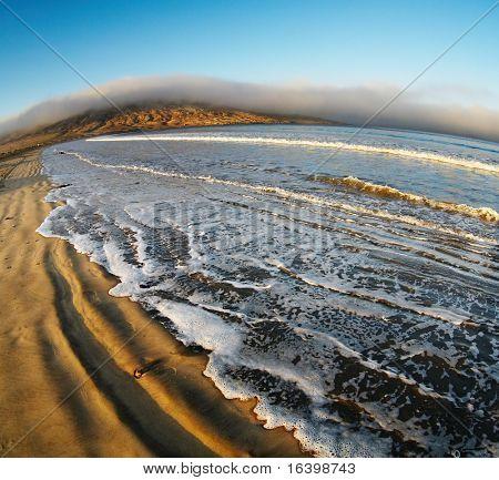 Atlantikküste bei Sonnenaufgang, Lüderitz, Namibia