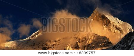 Sunset in Himalaya, Machhapuchhre mountain in Nepal (Fishtail)