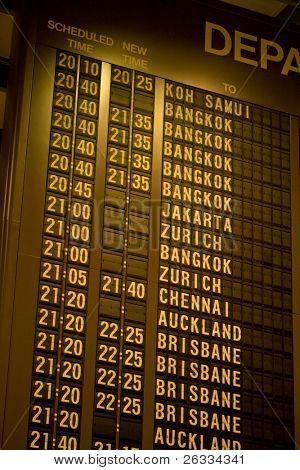 asiatische Flughafen Abreise Zeitplan board