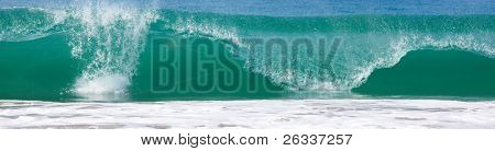 Big wave in ocean