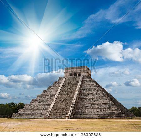 Ancient mayan pyramid in Chichen-Itza, Mexico