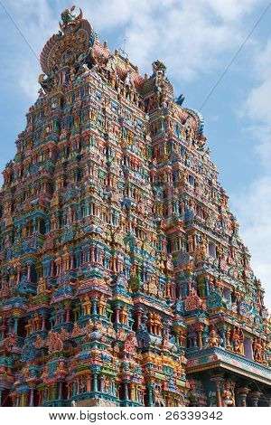 Hindu temple gopura (tower). Menakshi Temple, Madurai, Tamil Nadu, India