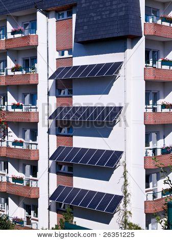 Appartement-Haus mit System der solare Energieträger
