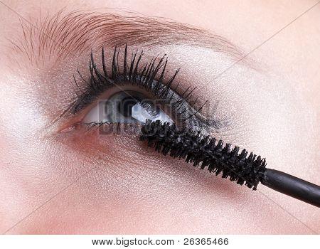 blaue Augen und Mascara, Volume Pinsel
