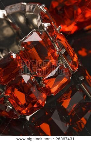 shiny red crystal bracelet reflexion