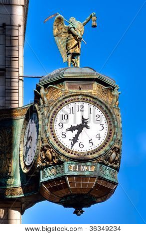 Father Time Clock, Chicago