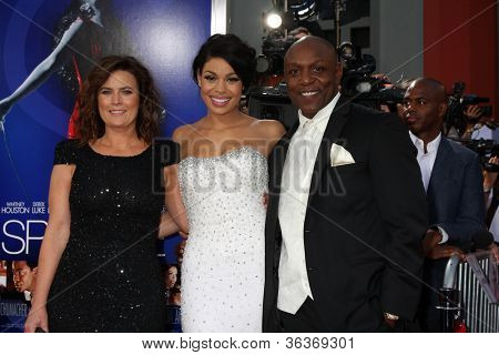 Los Angeles - AUG 16:  Jordin Sparks, with parents arrives at the