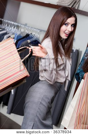 Pretty woman makes bargain