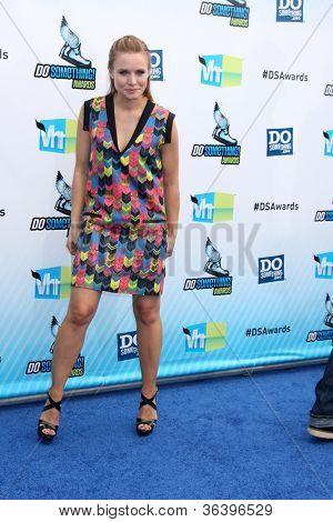 Los Angeles - AUG 19:  Kristen Bell arrives at the 2012 Do Something Awards at Barker Hanger on August 19, 2012 in Santa Monica, CA
