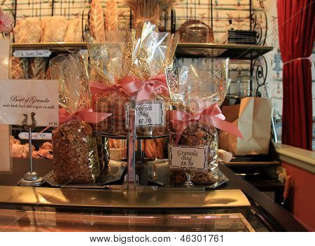 Display of granola in cellophane bags