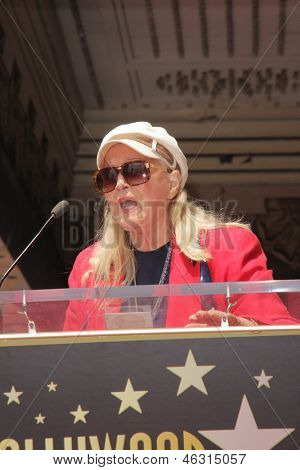 LOS ANGELES - MAY 24:  Diane Ladd at the ceremony bestowing Olympia Dukakis with a Star on the Hollywood Walk of Fame at the Hollywood Walk of Fame on May 24, 2013 in Los Angeles, CA