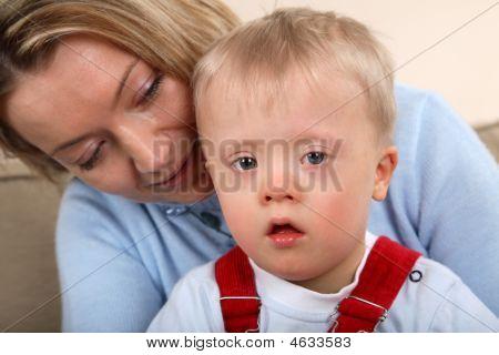 Junge mit Down-Syndrom