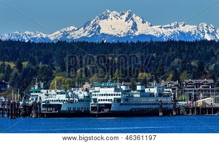 Bainbridge Island Ferry Dock Puget Sound Snowy Mount National Park Washington