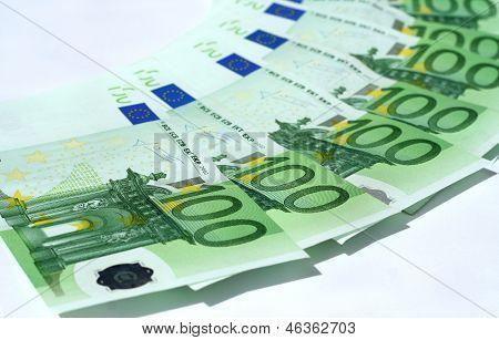 Circle From Euro Bank notes