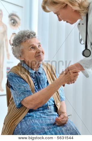 elderly patient by a doctor