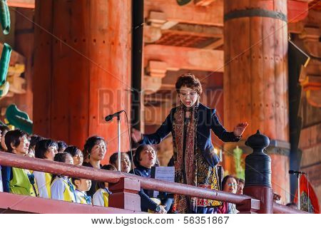 Daibutsu Praising at Todaiji temple in Nara