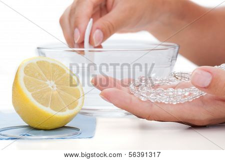 Jewelery Cleaning With Lemon
