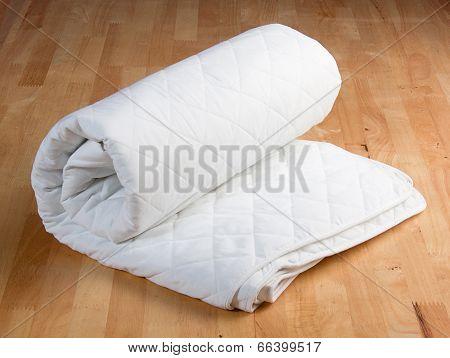 white mattress protection
