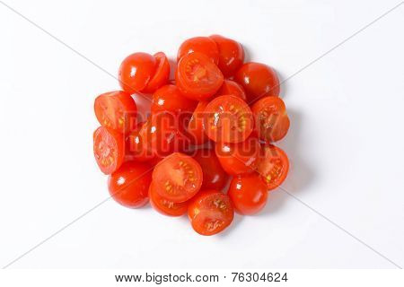 heap of halved cherry tomatoes