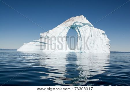 A lone ice berg in Greenland