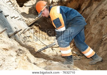 Builder With Plugger