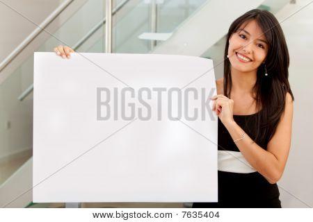Anúncio de exploração de mulher de negócios