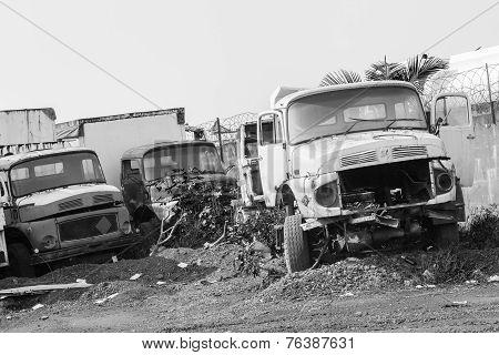 Trucks Vehicles Abandoned