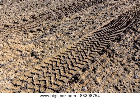 Tractor Traces