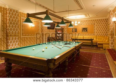 Luxurious room for a game of billiards