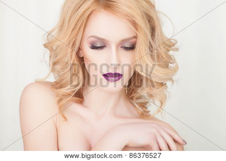 plum lips, close-up portrait of fashion blonde woman