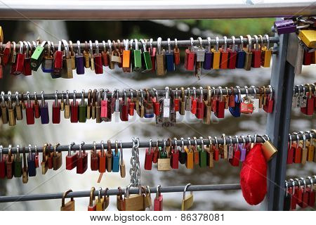 Bridge locks