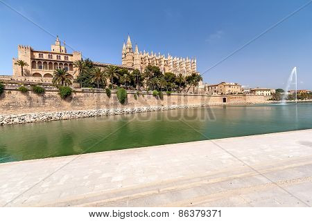The Cathedral and the fountain in the center of Palma de Mallorca
