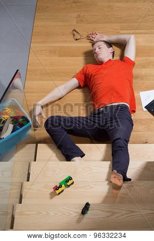 Man fell down from stairs