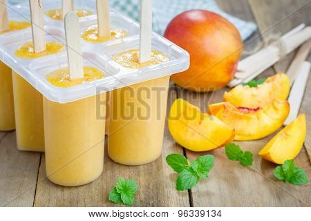 Homemade Peach Popsicles