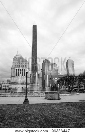 Indianapolis Indianna Downtown City Skyline War Memorial Park Fountain