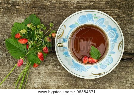 Bouquet With Strawberries And Strawberry Tea