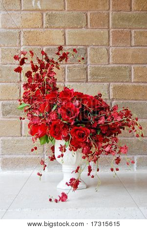 Beautiful Red Roses Bunch In White Vase