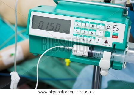 intravenous anesthetic transfusion in operating-room