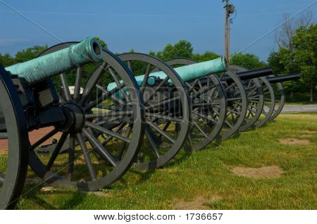 Long Line Of Civil War Cannon