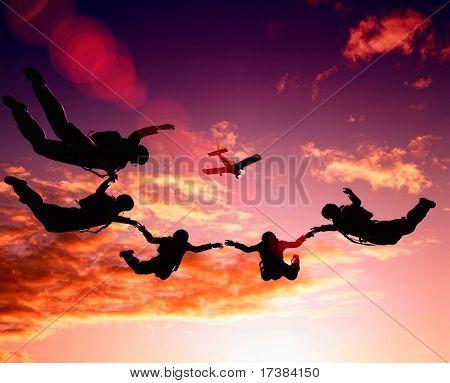 Parashutist im Himmel