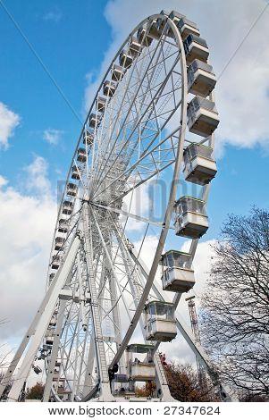 Giant mobile ferris wheel