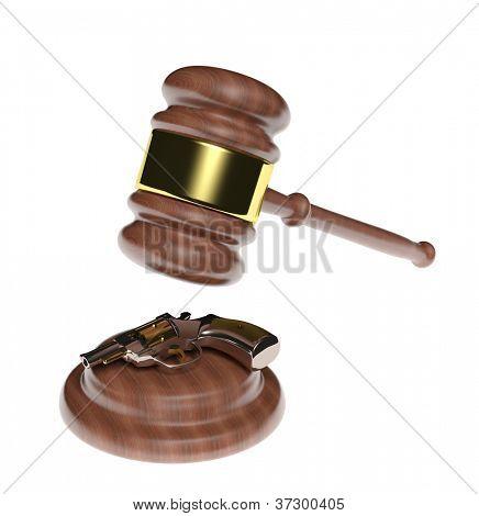 Ley y el delito. Pistola y mazo de juez