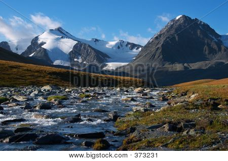 Clear River And Mountains-01